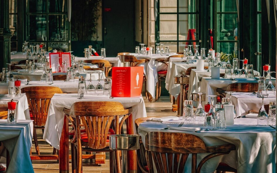 restaurant-3597677-1920.jpg